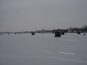 Lots o anglers on the ice